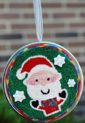 Clearance Myrtle Grace Motifs Tree Trimmers - Santa Punchneedle