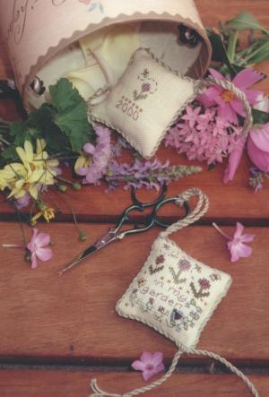 Clearance Shepherd's Bush Kits In My Garden Scissor Fob with Scissors