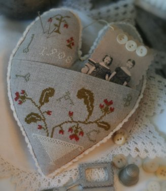 Clearance With Thy Needle CTS059 Love  Filled Heart