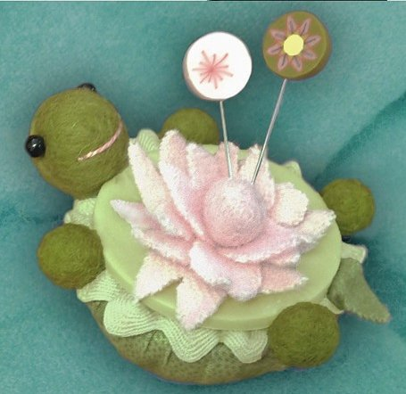 JABCo Sewing Patterns P1007 Lazy Turtle Pincushion