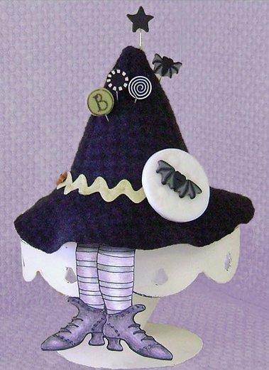 JABCo Sewing Patterns P1015 Boo Moon Pincushion