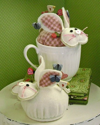 JABCo Sewing Patterns P1039 Cottontail Pincushion