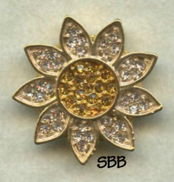 Accoutrement Designs Mag Friends Gold Daisy