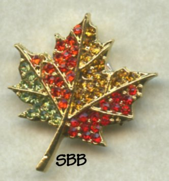 Accoutrement Designs Mag Friends Maple Leaf