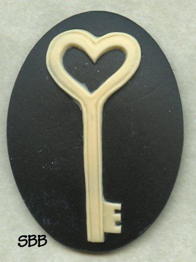 Clearance Kelmscott Designs Needle Minder Andrew's Key