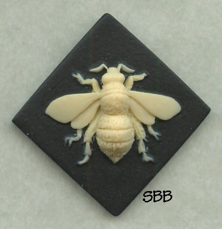 Kelmscott Designs Needle Minder Bee