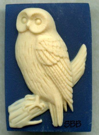 Kelmscott Designs Needle Minder Snowy Owl