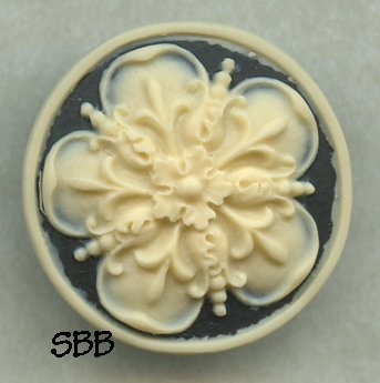 Kelmscott Designs Needle Minder Tudor Rose
