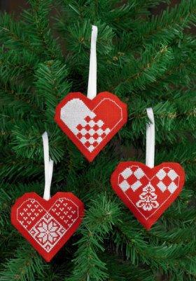 Permin Kits014273 ~ Heart Ornaments (red) ~ 18 count Aida