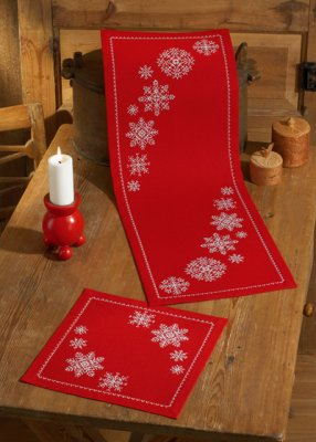 Permin Kits104621 ~ Snowflakes ~ 18 count Linen