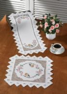 Permin Kits104747 ~ Robin Square Doily ~ 22 count Hardanger