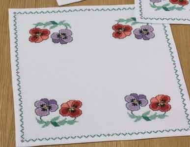 Permin Kits109370 ~ Flower Tablecloth ~ 11 count Aida