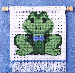 Permin Kits132121 ~ First Kit - Frog ~ 6 count Aida
