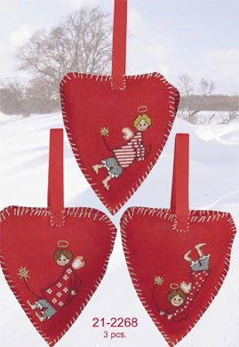 Permin Kits212268 ~ Three Chistmas Hearts ~ 14 count Aida