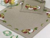Permin Kits272770 ~ Apples Tablecloth ~ 18 count Linen