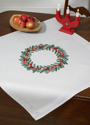 Permin Kits274627 ~ Christmas Wreath Tablecloth ~ Printed Cotton/Linen