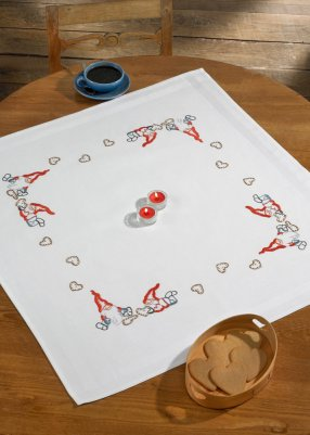 Permin Kits275688 ~ Elfs With Cookies ~ Table Topper