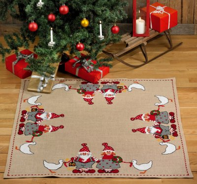 Permin Kits455229 ~ Mom & Dad Elves Tree Skirt ~ Jute