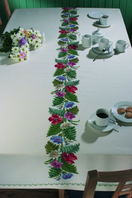 Permin Kits586500 ~ Palmleaf Tablecloth ~ 11 count Aida