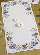 Permin Kits631867 ~ Summer/Flower Tablerunner ~ 8 count Aida