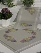 Permin Kits633701 ~ Fall Flowers Tablerunner