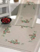 Permin Kits633802 ~ Strawberry Natural Tablerunner (top)