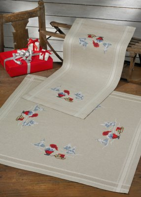 Permin Kits635687 ~ Elfs With Sleigh Table Runner