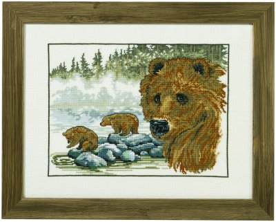 Permin Kits700174 ~ Brown Bear With Cubs ~ 26 count Linen