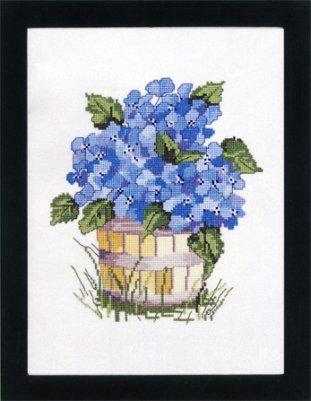 Permin Kits702379 ~ Blue Hydrangea ~ 26 count Linen
