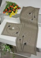 Permin Kits754753 ~ Dandelion Table Runner (right) ~ 18 count Linen