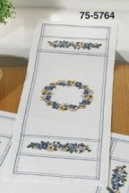 Permin Kits 755764 Violets Table Runner ~ 8 Count Aida