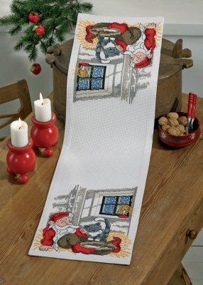 Permin Kits756621 ~ Santa & Cat Table Runner ~ 8 count Aida