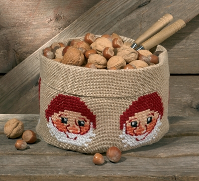 Permin Kits796219 ~ Christmas Elf Basket ~ 10 count Jute