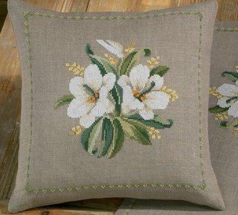 Permin Kits832133 ~ White Flower Pillow ~ 18 count Linen