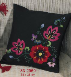 Permin Kits832960 ~ Red Floral Square Pillow