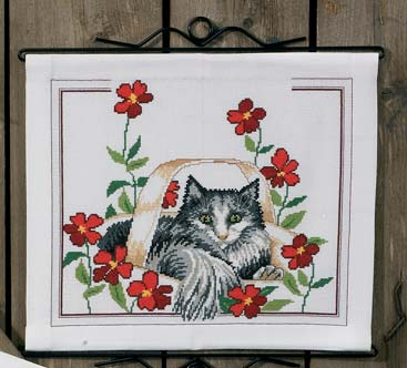 Permin Kits900146 ~ Cat With Poppies ~ 14 count Aida