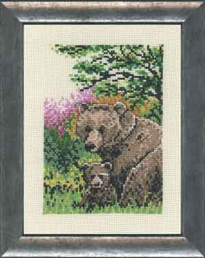 Permin Kits929132 ~ Brown Bear With Cub ~ 14 count Aida