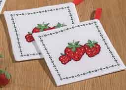 Permin Kits969140 ~ Strawberry Pot Holder ~ 11 count Aida