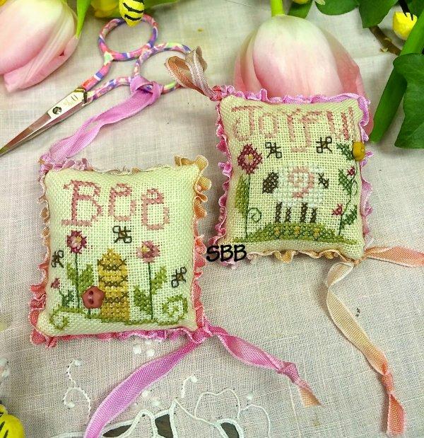 Shepherd's Bush Kits Bee Joyful Fob