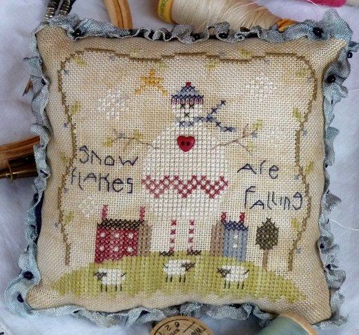 Shepherd's Bush Kits Snow Flakes Pin Cushion
