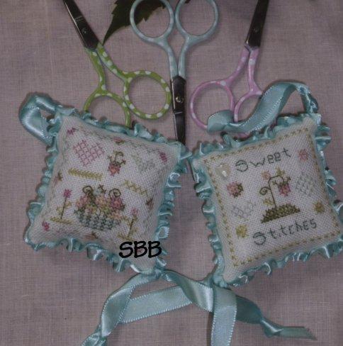 Shepherd's Bush KitsSweet Stitches Scissor Fob