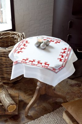 Vervaco Kits PNV147491 Red Reindeers Tablecloth