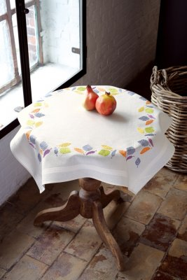 Vervaco Kits PNV147513 Colorful Leaves Tablecloth