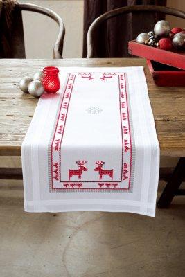 Vervaco Kits PNV147682 Red Reindeers Runner