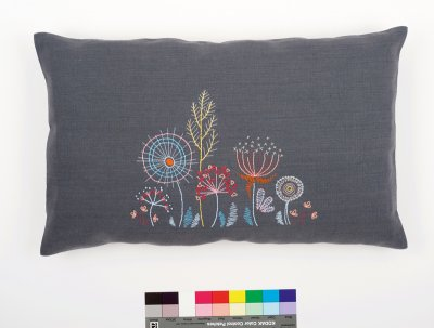 Vervaco Kits PNV156058 Stylized Flowers Rectangle Cushion - Embroidery