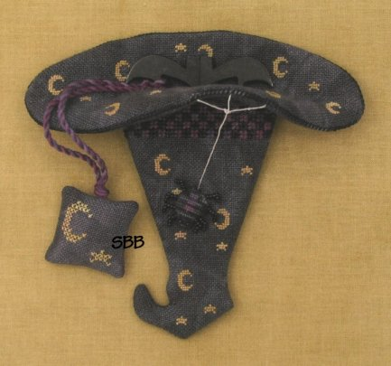 Acorn House Designs Closeout Hazel's Hat Scissor Keeper