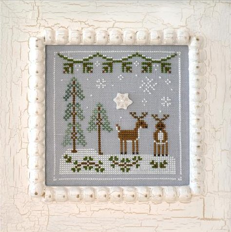 Country Cottage Needleworks Frosty Forest #8 ~ Snowy Reindeer