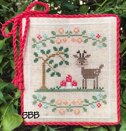 Country Cottage Needleworks Welcome To The Forest 2 ~ Forest Deer