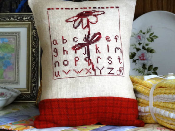 Country Garden Stitchery Red Daisy Sampler