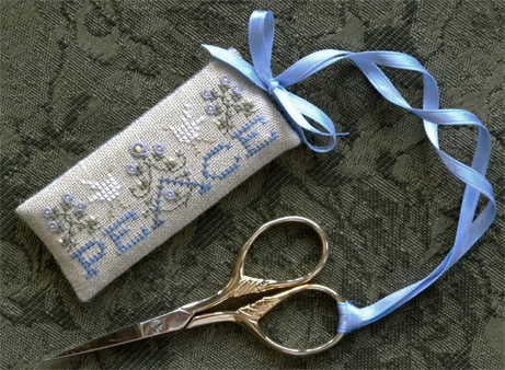 The Drawn ThreadDR163 Peace Scissors Tag